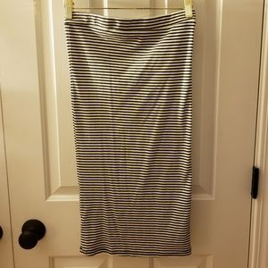 Black and white striped pencil skirt